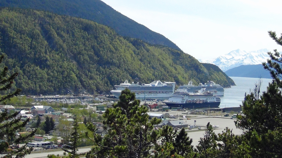 Ships in Skagway
