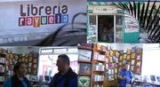 """Escritor uruguayo escribe durante treinta días una novela en la librería RAYUELA de la ciudad de Xalapa, y la performance, que se titula """"Literatura líquida"""", se televisa ONLINE."""