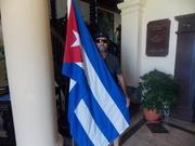 Abrazado a mi Bandera, la mas bella del mundo.
