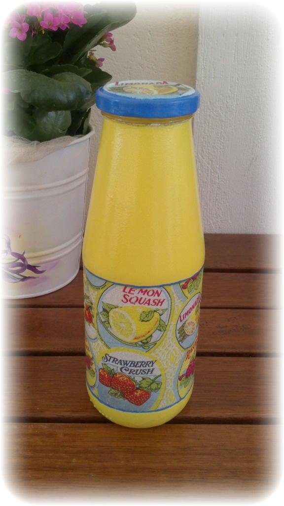 Μπουκάλι λεμονάδας