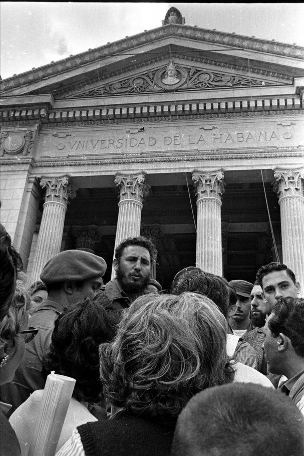 fidel-castro-universidad-habana-27-noviembre-1960