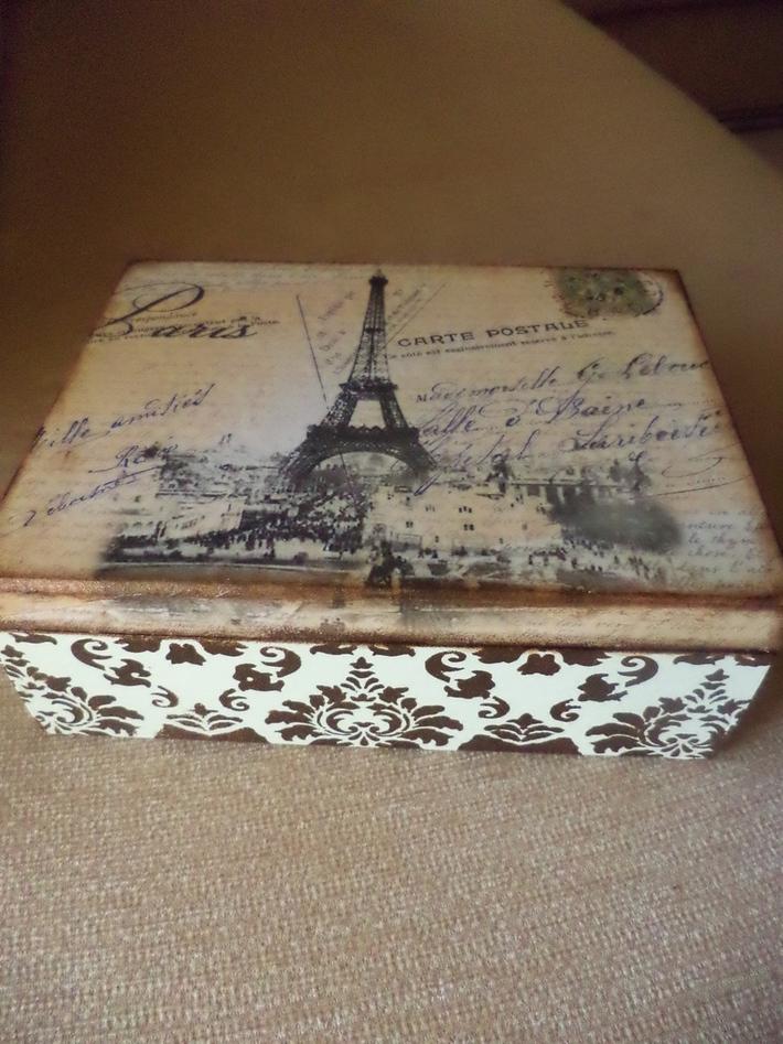 μεγαλο ξυλινο κουτι Παρισι