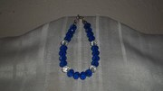 Dark blue and clear beaded bracelet