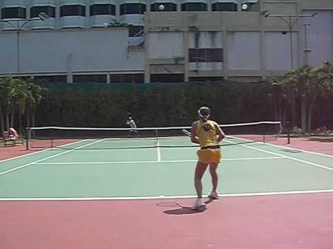 Qtr Finals:  Anna vs Dean www.Pattaya-Tennis.Com Songkran Tournament April 2010 pt 4