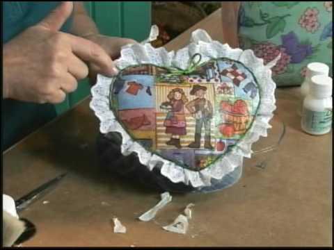 26/07/09 - Caixa coração com estofamento de guardanapo