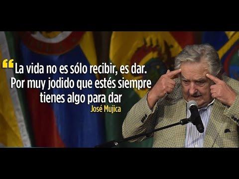 EMOTIVO DISCURSO DE JOSE PEPE MUJICA CONDECORADO EN UNASUR ECUADOR.(COMPLETO)