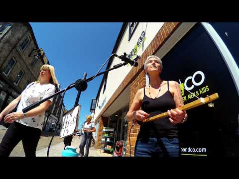 Busking in St Ives, with 3 String Cigar Box Guitar and Canjo. Outdoor Zoom Q2N test