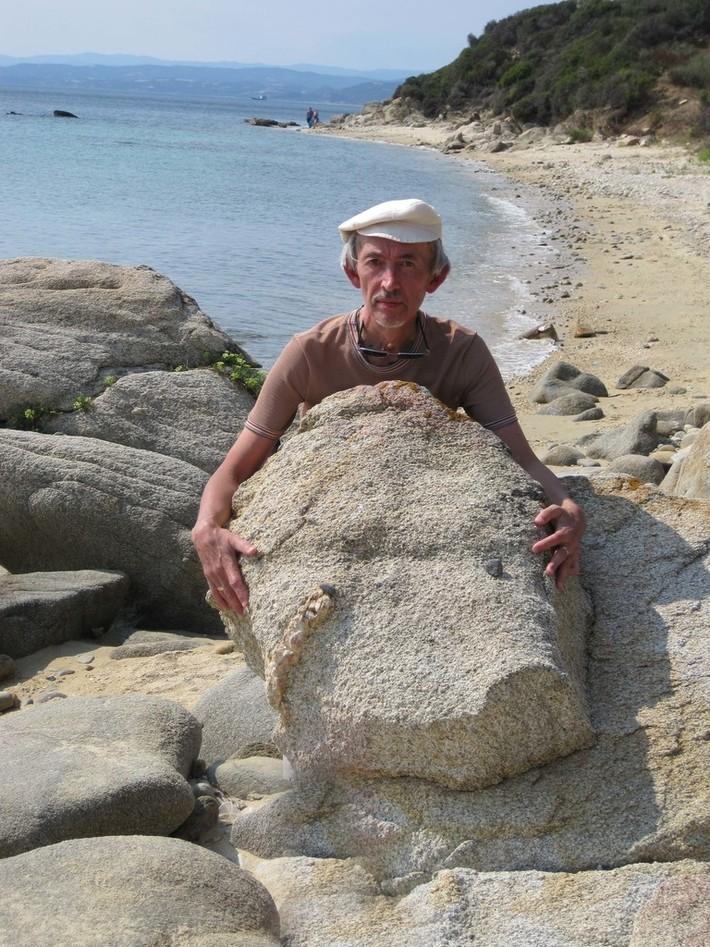 Камни на берегу (залив Сингитикос)