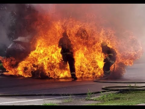 Firefighters blown up when RAV4 gas tank explodes @ 4:17!!!