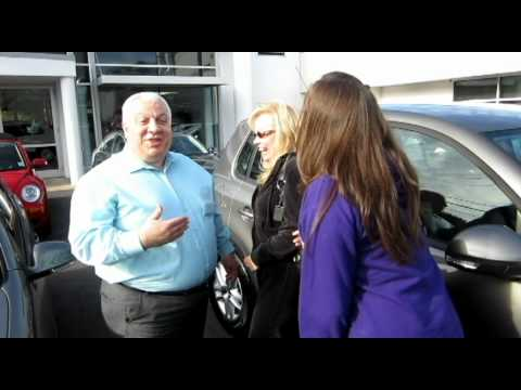 NJ VW | Douglas Volkswagen Customer has great experience picking up New VW Tiguan in Summit NJ