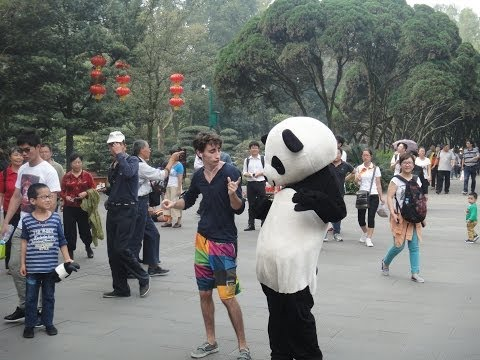 Guy Dances Across China in 100 Days