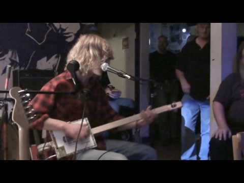 """BluesBeaten Redshaw - """"All My Life"""" on the Diddley Bow - UK's first ever Cigar Box Guitar festival!"""