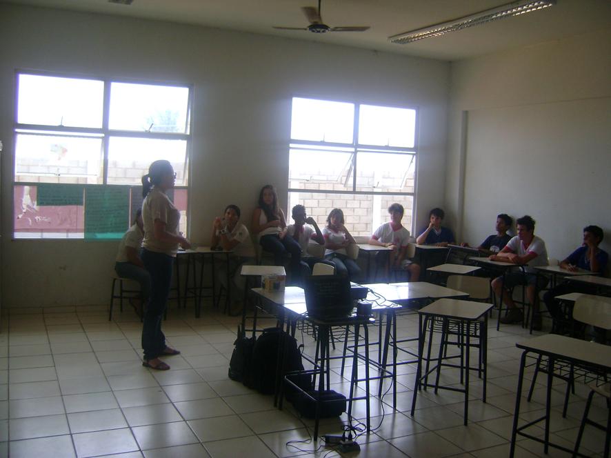 2o Dia de Exposição Oficina AHE Jirau na E.M.E.F Nossa Sra de Nazaré