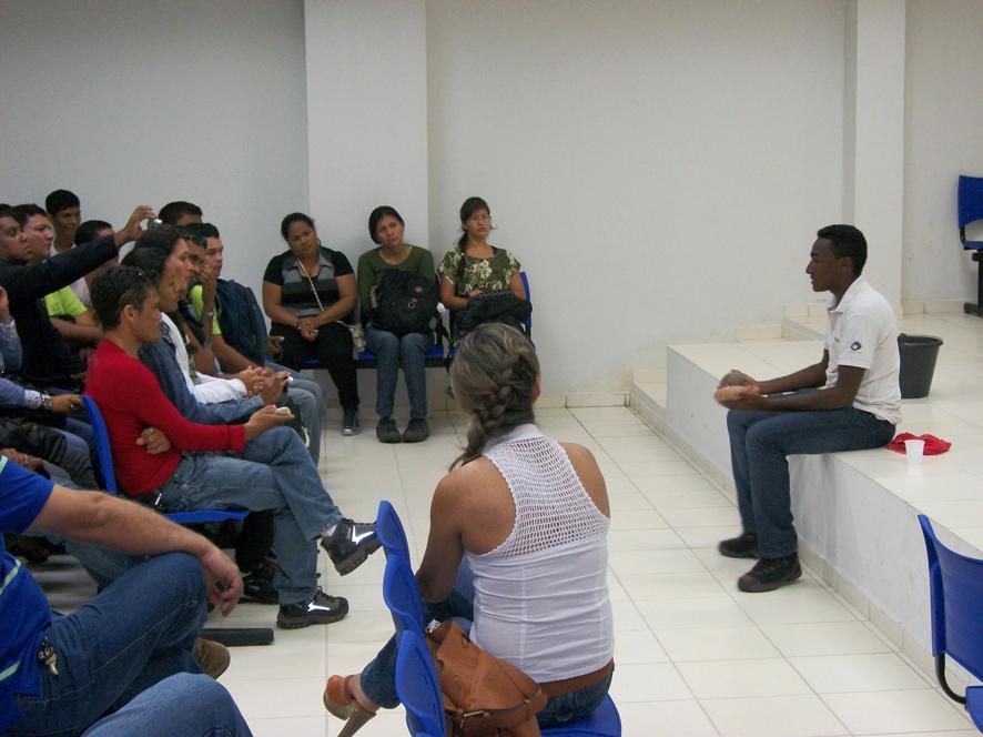 Palestra sobre os tratamentos em laboratório