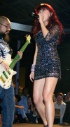 Hot singer with bass player
