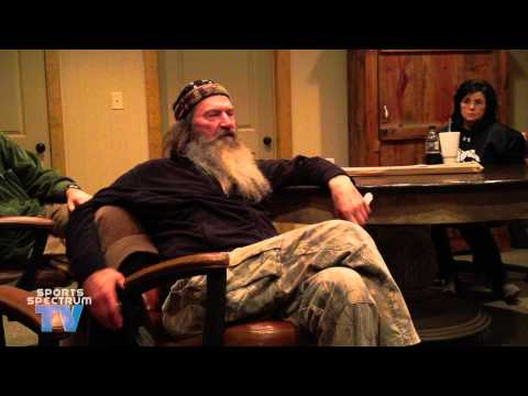 (Phil Robertson Exposes Fake TV) Willie & Phil Robertson talk about fake bleeps and praying in Jesu…