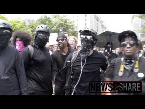 DC Police Remove Right-Wingers From Antifa Rally