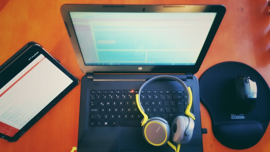 Should I choose Tablet or Laptop?