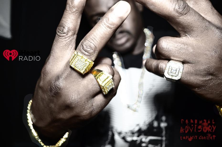 3 rings on em