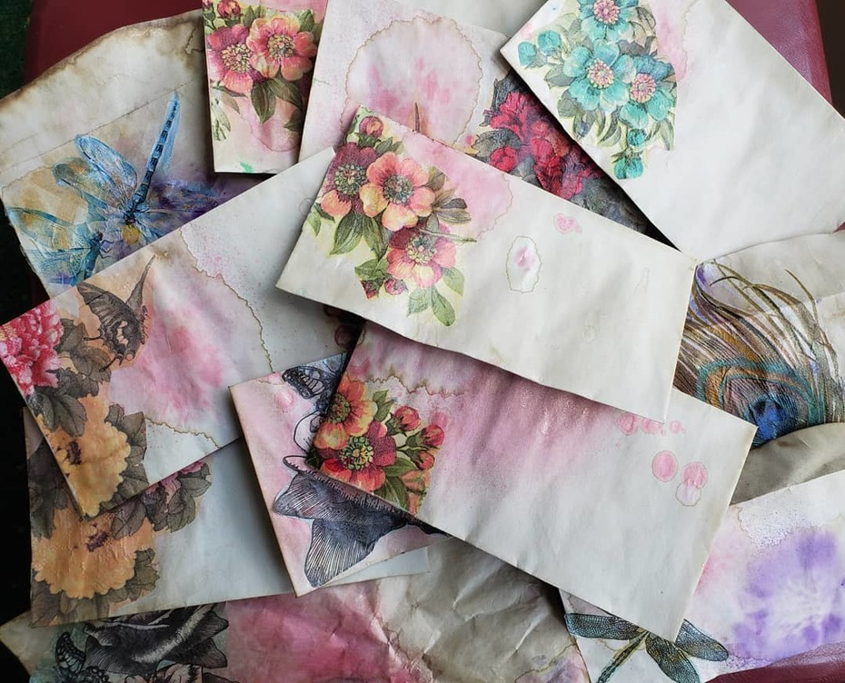 Envelopes tea-stained and decoupage