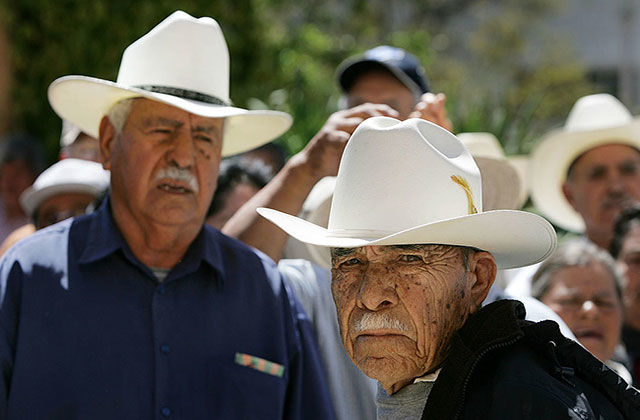New Monument Honors Mexican Braceros