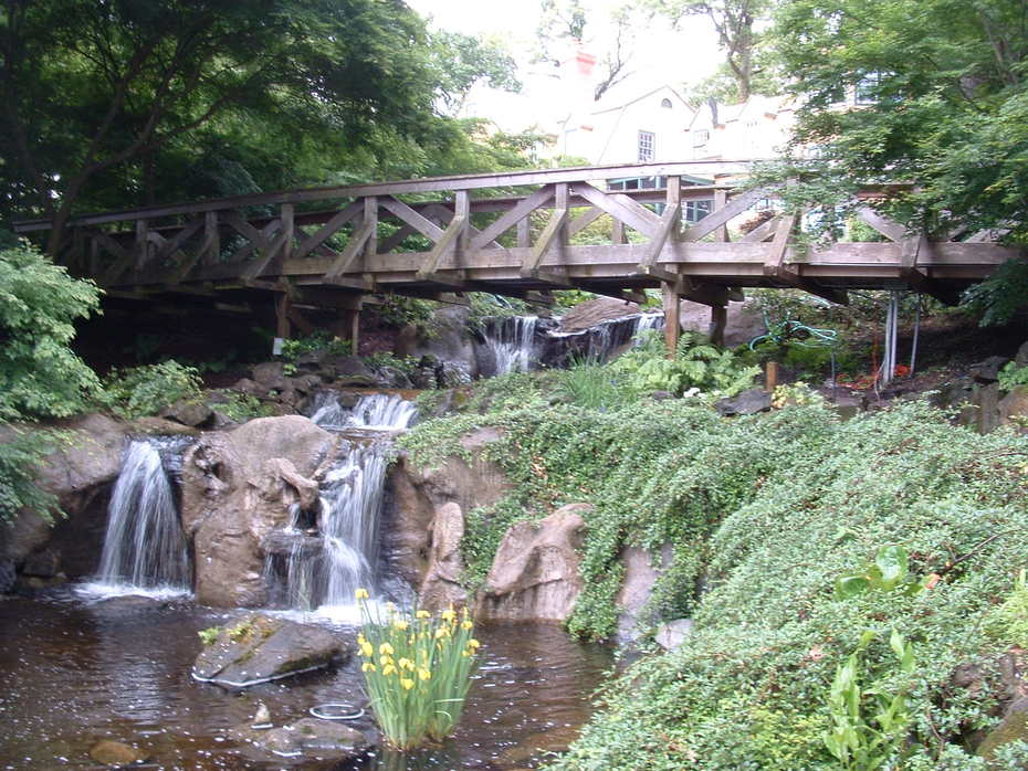01 Faux rock waterfall Oyster Bay New York