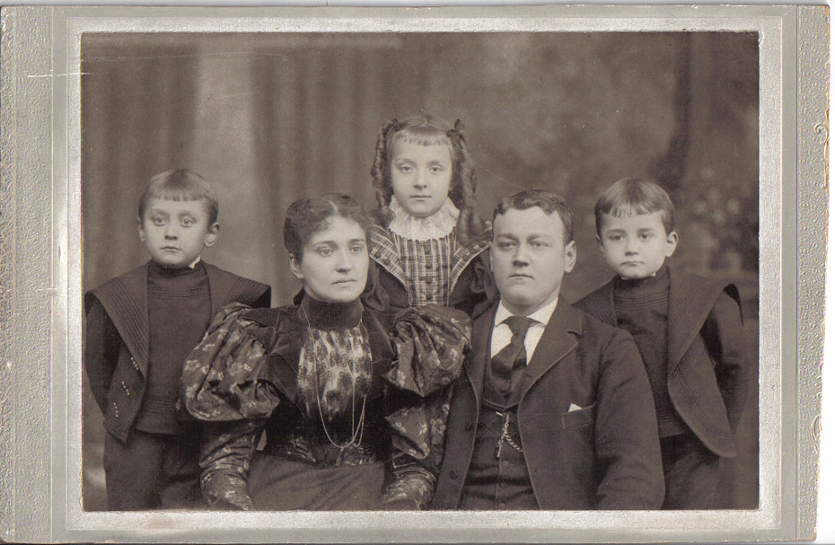 Faust Family