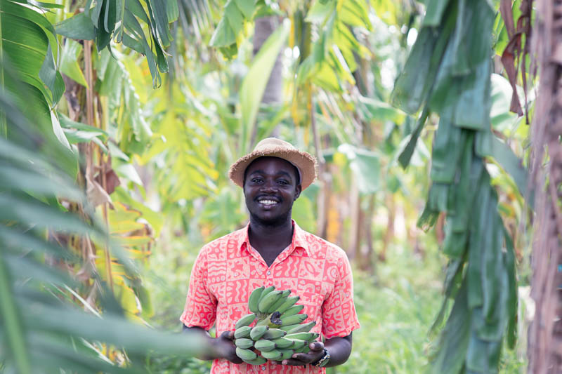 Are nearly 80% of Kenya's farmers smallholders? No data shows this