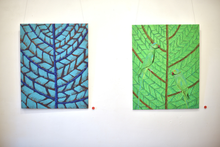 Juris_Dumpis_double_leaf_with_indian_parrot_Acrylic_on_canvas_2019_Peepletree_Art_Gallery_Bengaluru_Bangalore_DSC_9458