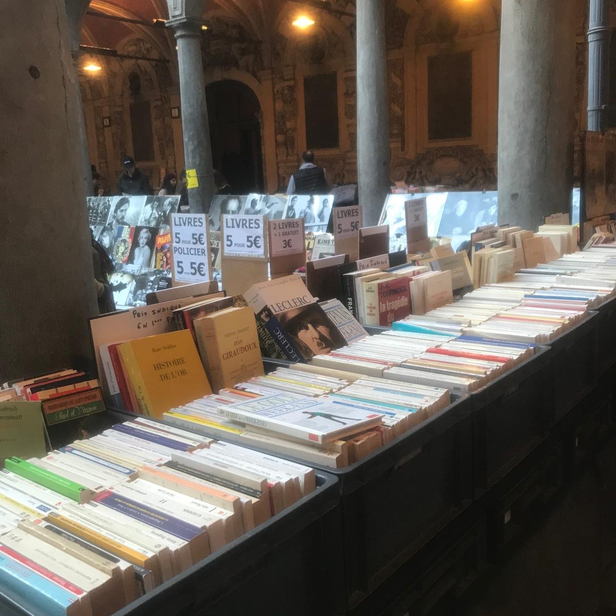 Le marché aux livres de la Vieille Bourse