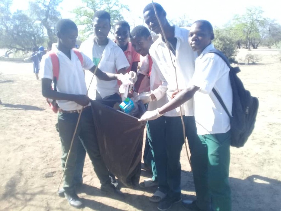 Kids giving back through a community clean up