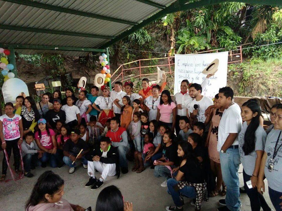 """""""La esperanza de Honduras; su juventud"""""""