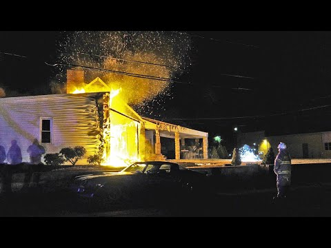 PRE-ARRIVAL VIDEO: Quick knock on this house fire in Whitehall, PA.
