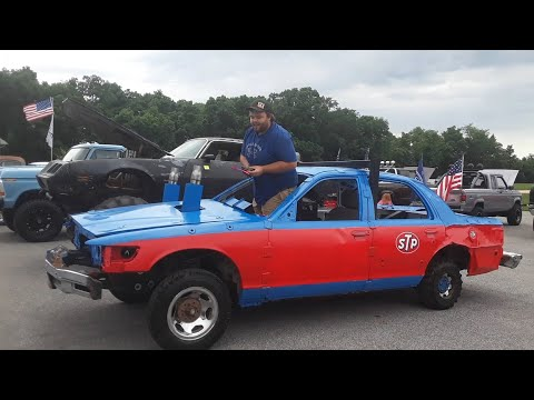 Spenser's '98 Ford Crown Vic Demo Derby Car At the 2020 Cover's  Car Show