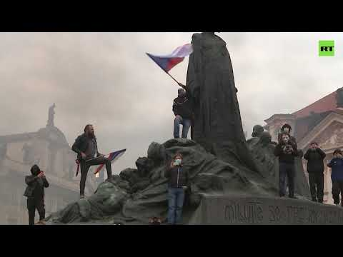 Prague skirmish | Protest against COVID rules escalates into clashes