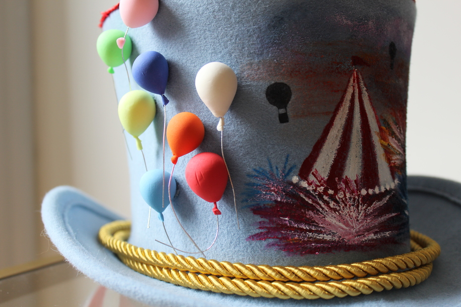 Coney Island Queen | carnival themed top hat