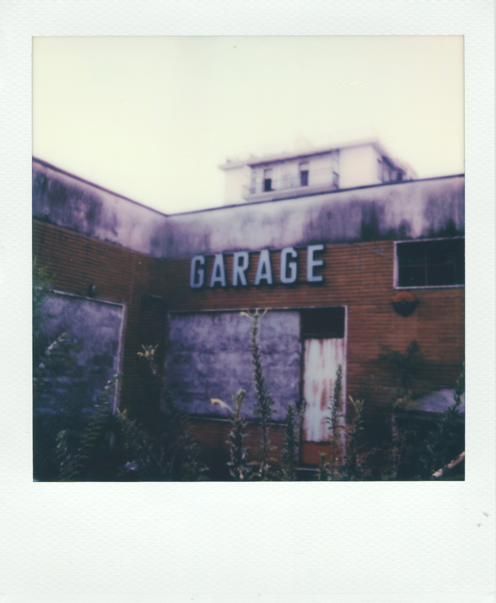 Garage Abbandonato