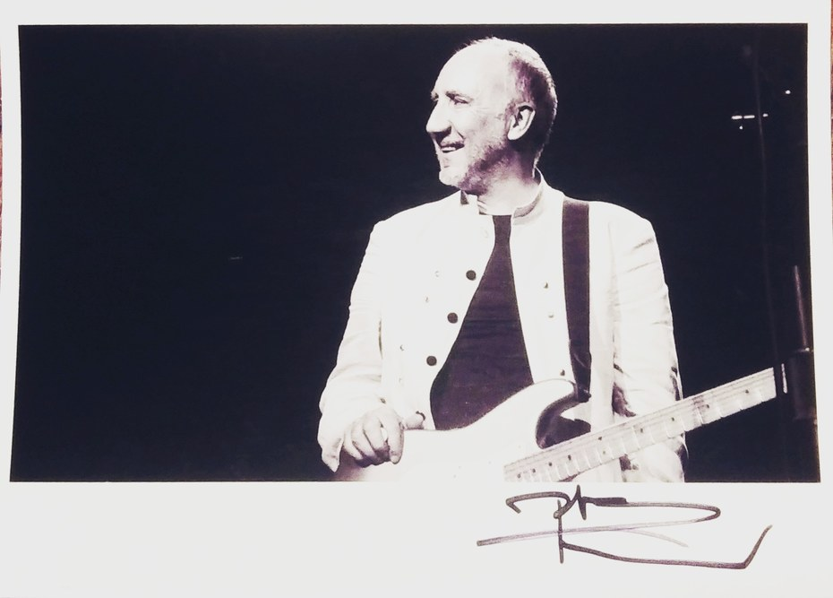 Pete Townshend signed 4x6 photo