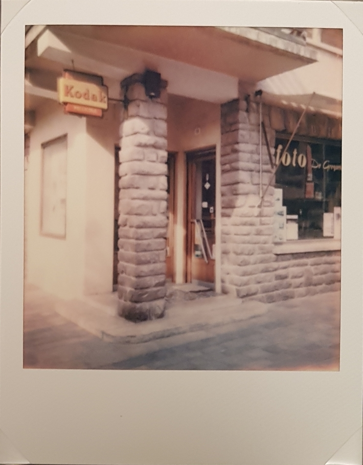 Vintage...Photo..Shop