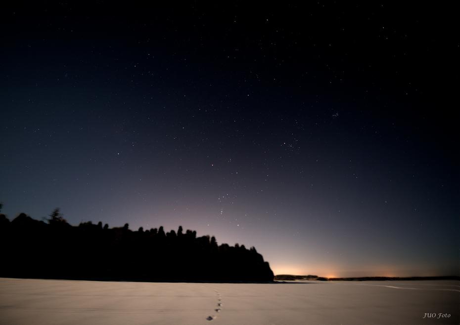 Orion i månljus över Furufjärden.