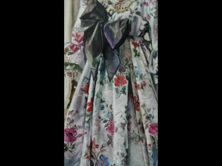 En souvenance de Dame Janine Cornez: le songe pudique et soyeux des vêtures étoilées
