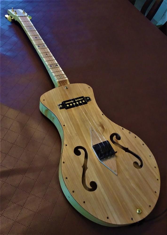 door guitar 2